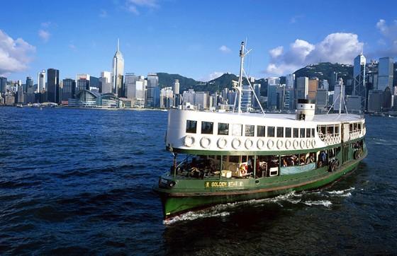Hong-Kong-Star-Ferry-Sunshine